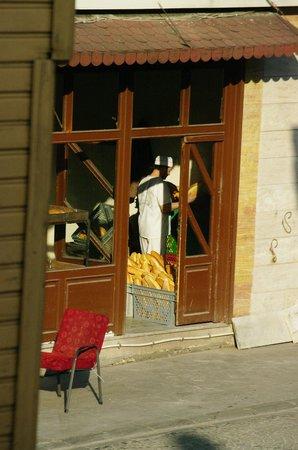 Poem Hotel Istanbul: de bakker om de hoek