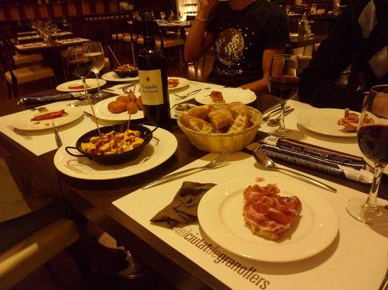 Hotel Ciutat de Granollers: Gran comida.