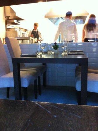 Hugo Restaurant : cucina a vista