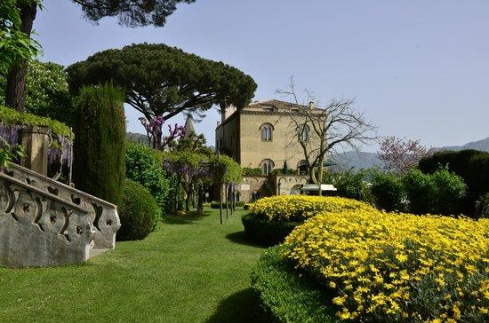 Il guerriero greco foto di giardini di villa cimbrone ravello tripadvisor - Giardini di villa cimbrone ...