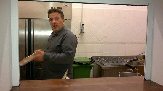 Agriturismo La Collina dei Treni : in cucina...
