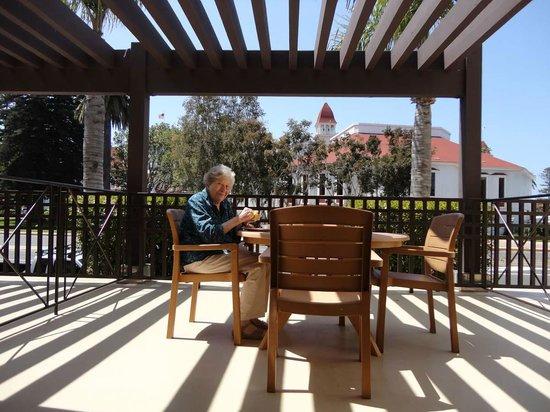 Coronado Beach Resort: breakfast on the patio