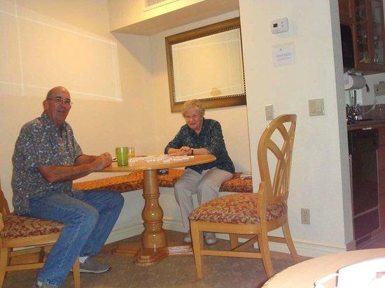 Coronado Beach Resort: arrival evening and dominos