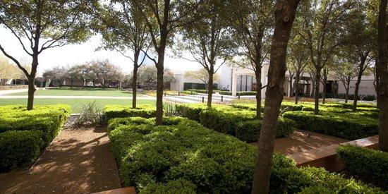 Amazing NorthPark Center: CenterPark Garden