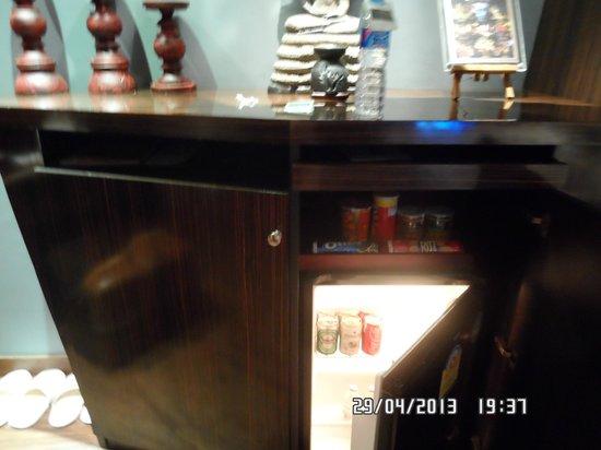 IndoChine Resort & Villas: мини-бар)
