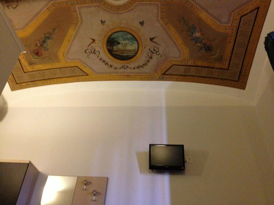 Auditorium di Mecenate: interesting ceiling