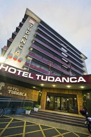 Hotel Tudanca Miranda: Fachada Principal Hotel