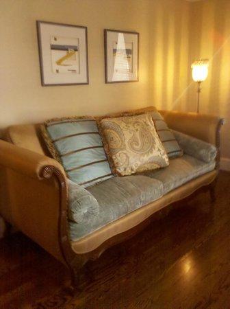 Inn BoonsBoro : Penthouse Sitting Room