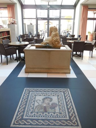 Park Plaza Trier: Mosaic in the Hotel Hall