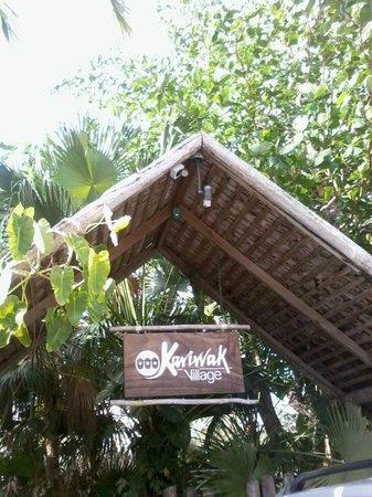 كاريواك فيليدج هوليستيك هافين آند هوتل: Entrance to Kariwak