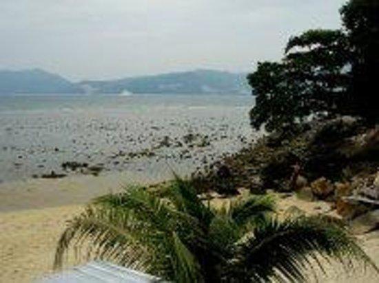 Tri Trang Beach Resort: Вид из номера.Отлив.