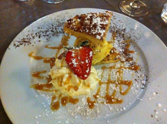L'Auberge Fleurie : Brioche perdue, crème glacée aux noix de pécan.