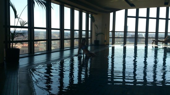 Corinthia Hotel Prague: Swimming pool with panoramic view