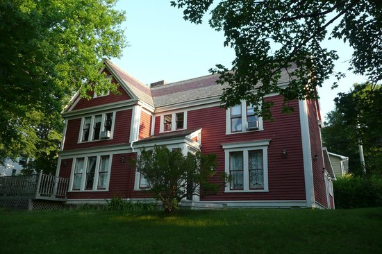 Sophia's Heritage Inn: Exterior of B&B