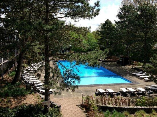 Badhotel Rockanje & Brasserie Lodgers: Uitzicht op zwembad