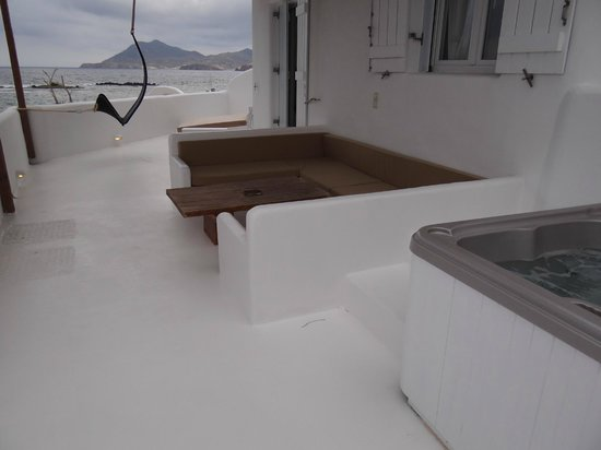 Salt Suites & Executive Rooms: Sea house - Veranda with jacuzzi and sea view
