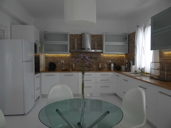 Salt Suites & Executive Rooms: Sea house - Full equipped kitchen