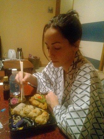 Hotel Edoya: cenando en yukata