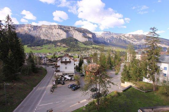 Hotel des Alpes : Die Aussicht vom Balkon
