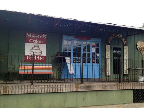 Mary's Cakes and Pastries: Mary's Cakes