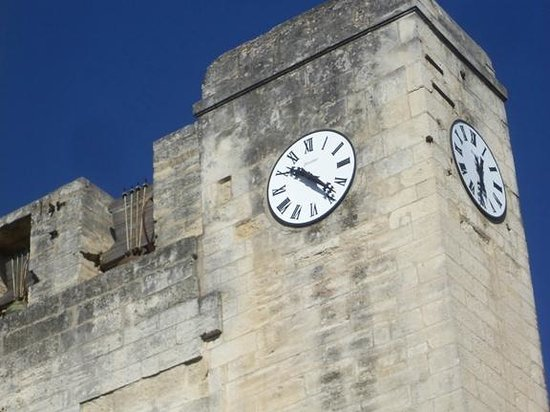 Eglise Notre-Dame des Sablons : Clock tower on the church