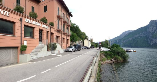 Hotel Bellavista: Hotel fronts lake Como