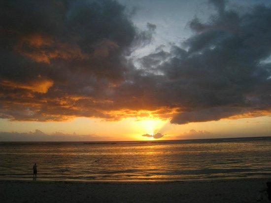 Pallagino Guest House: La plage à 5 min à pied. Beach within 5 minutes walking