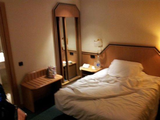 Hotel Praga: bedroom