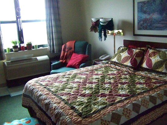 """Extended Stay America - Fayetteville - Springdale : Another view of my ADA room """"dressed"""" like home."""