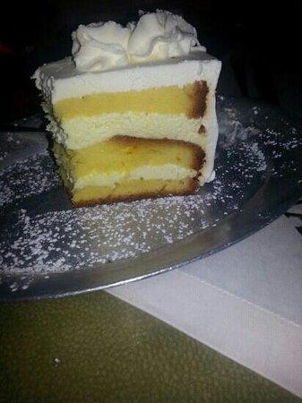 Zorba's Gyros: homemade lemon cake