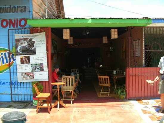 Cafeticos: view from the road