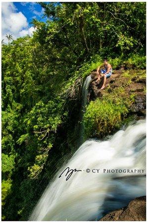 Fuipisia Waterfall: On the ledge