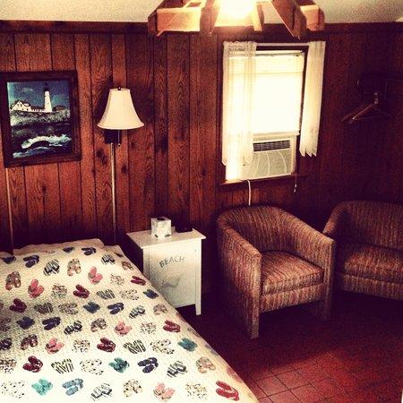 Bay Motor Inn: Our room