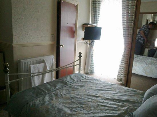 Fairways: Room