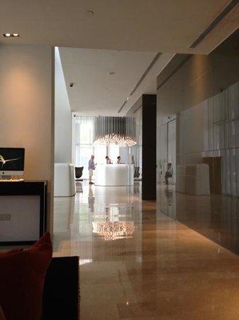 L Accueil Vu Du Petit Bar Au Rdc Picture Of Studio M Hotel Singapore Tripadvisor