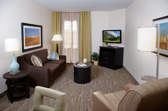 Candlewood Suites North Little Rock: Living Room View in One Bedroom Suite