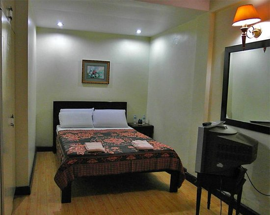 Tanauan City, Filippinerna: couple's room