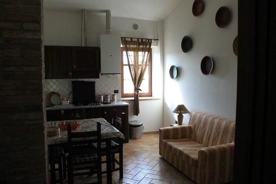 Agriturismo Ampugnano: Cucina/soggiorno