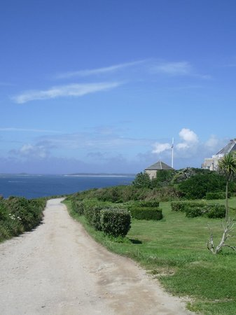 Garrison Campsite & Holiday Cottages: View on the walk into town