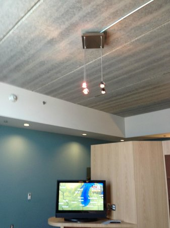 CityFlatsHotel - Holland : Concrete type ceiling