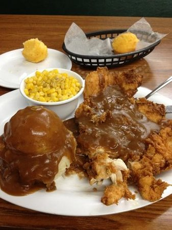 Kelley's Country Cookin': Country Fried Chicken