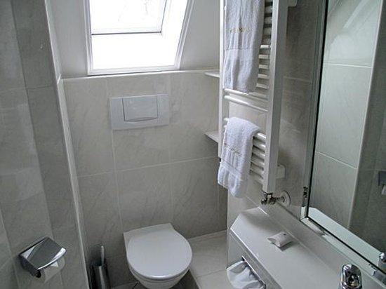 Arthotel ANA Amadeus: Nettes Zimmer im Daschgeschoss