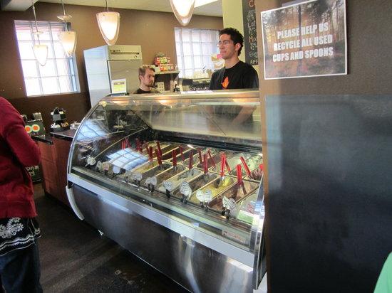 Settebello Pizzeria : Awesome gelato
