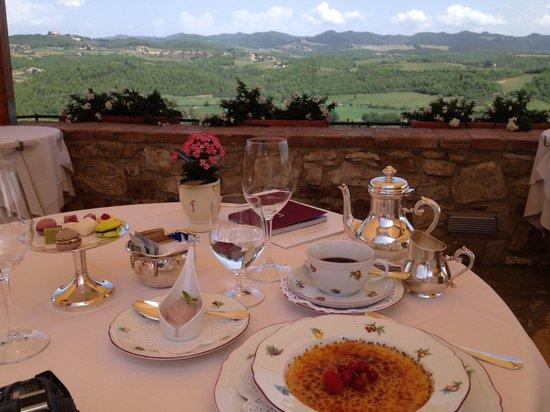 Hotel Le Fontanelle: Un déjeuner sur une terasse superbe