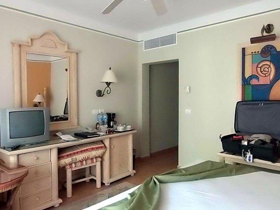 Grand Bahia Principe El Portillo: interior do quarto