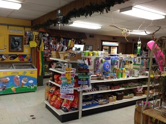 Natural Bridge/Lexington KOA: store