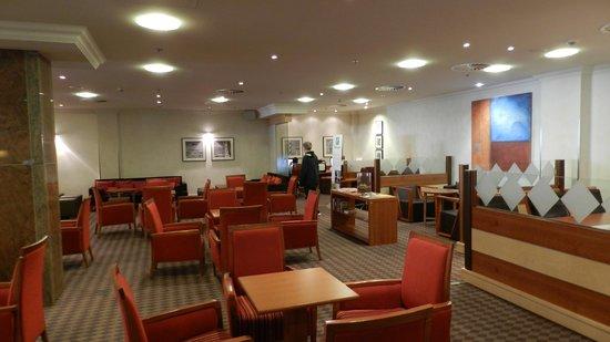 Holiday Inn Munich - City Centre: Recepção do hotel