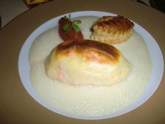 "Иляезерн, Франция: saumon soufflé ""Auberge de l'Ill"""