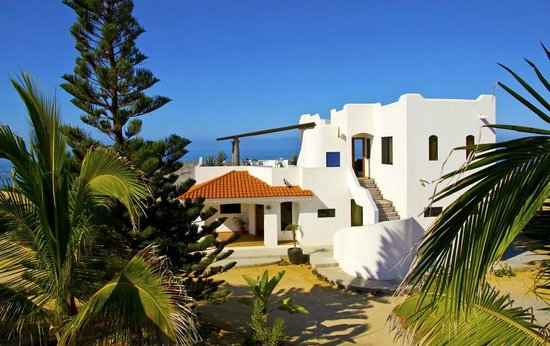 Osprey San Pedrito: beautiful mexican building, tiled throughout