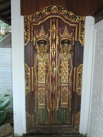 Puri Lumbung Cottages Balinese Doors 14A & Balinese Doors 14A - Picture of Puri Lumbung Cottages Munduk ...